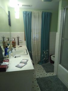 Photo for Superbowl Paradise for 4-5guests, mins from airport and done now available