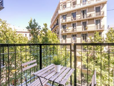 Photo for APARTMENT IDEALLY LOCATED NEAR THE CENTER AND THE PLAZA CATALUNYA FOR 4
