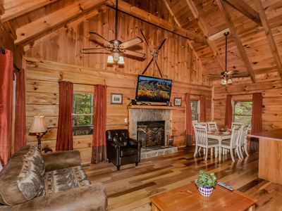 Photo for Affordable 4BR3BA, Sleeps 10 between G. Burg & P. Forge Mins off parkway