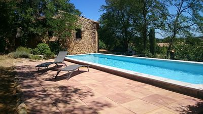 Photo for Provencal house of charm with swimming pool near Avignon, Orange and Nîmes