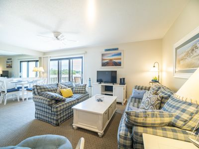 Photo for Economically priced condo, across the street from beach+FREE DAILY ACTIVITIES