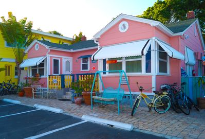 Pink Dolphin Cottage free use of Capt. Al's bicycles
