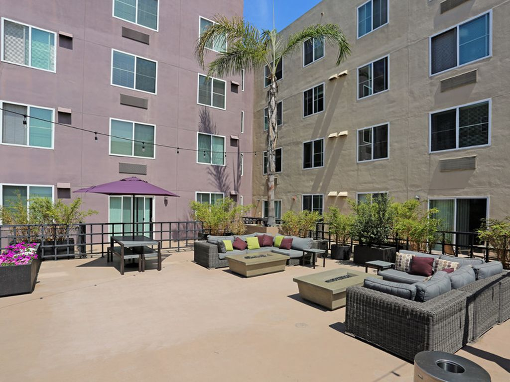 Little Italy Waterfront Condos 1bd1 F2 One Bedroom Apartment Sleeps 3 San Diego San Diego