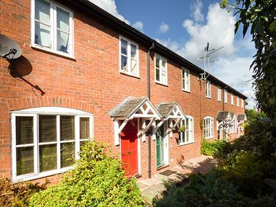 Photo for 4 ALDELYME COURT, family friendly in Audlem, Ref 941583