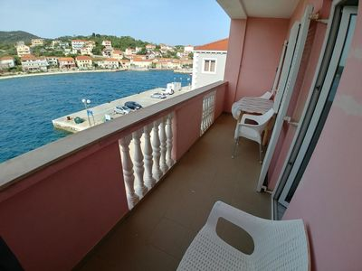 Photo for Two bedroom apartment with balcony and sea view Sali, Dugi otok (A-443-c)