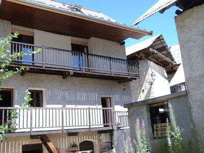 Photo for Country house bordering the park ecrins with garden for 10 people