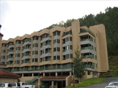 Photo for Penthouse Suite at Purgatory Resort Durango - 3bd/3ba Slopeside Ski-In / Ski-ou