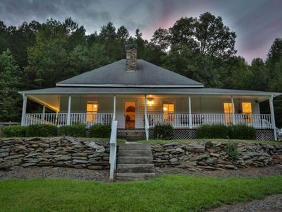 Forever Memories is a delightful farmhouse featuring a detached barn on 175 country acres.  Non Pet-