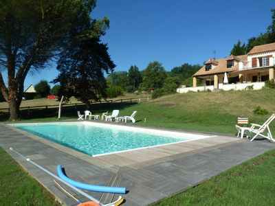 Photo for Charming villa with panoramic views of the Dordogne valley