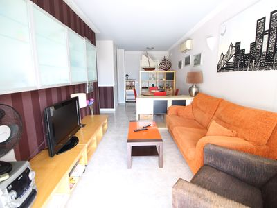 Photo for Beautiful apartment 6 pax with A / A, pool and parking in quiet area of Salou.