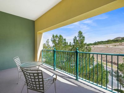 Photo for Beautiful 1 Bedroom Bath Lake Las Vegas Condo Resort Community at Lake