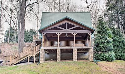 Book a trip to this 2-bedroom, 1-bathroom vacation rental cabin for 7.