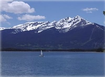 Spectacularly Scenic Lake Dillon from your deck! Sunshinepointe.com