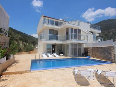 Photo for Villa Zero. Beautiful Three Bedroom Villa in the Centre.