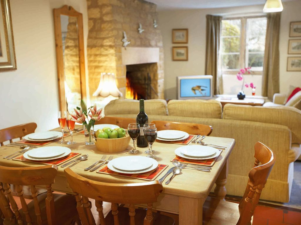bank cottage longborough this charming cotswold stone cottage