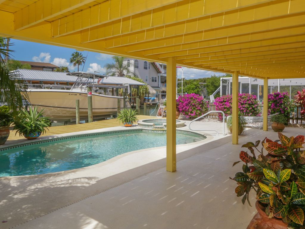 Waterfront With Private Pool 3 Br 2 Ba S Vrbo