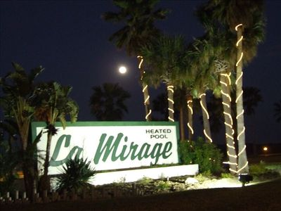 ENTRANCE TO LA MIRAGE RESORT
