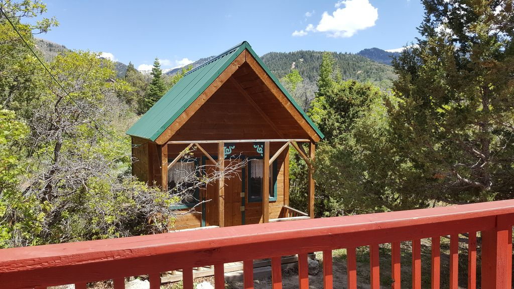 Oak woods cabin mt pleasant utah your mountain home for Home away from home cabins