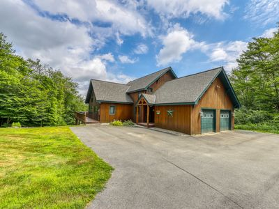 Photo for Stunning post & beam mountain home w/ private hot tub close to Okemo Resort!