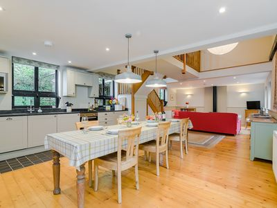 Photo for ★Walnut Tree Cottage★ Huge garden+village setting+near Canterbury+dog friendly