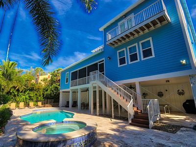 Photo for Lovely, Designer-Appointed Home - Close to The Beach - Island Escape