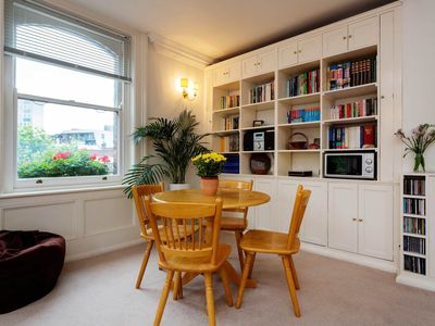 Photo for One bedroom apartment sleeping 4. Located in the heart of King's Cross (Veeve)