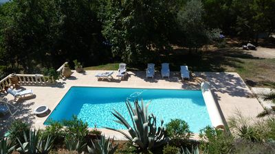 Photo for Beautiful property dominant view in forest setting preservé