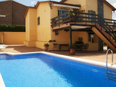Photo for Club Villamar - Nice house with private pool in a quiet area and sea views