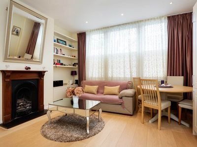 Photo for Initimate one bedroom apt. in Fulham - reach central London in 20 mins (Veeve)