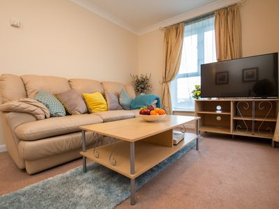 Photo for Beautiful 2 Bedroom Apartment, near ExCel London!