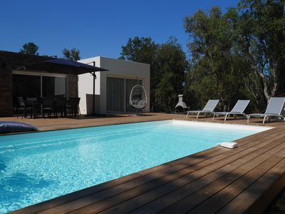 Photo for New villa with heated pool 700m from the beach