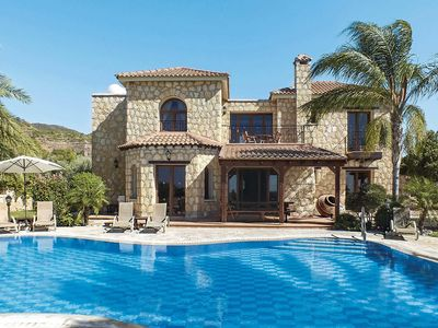 Photo for Stone villa with private pool, BBQ, Xbox, free Wi-Fi and free aircon