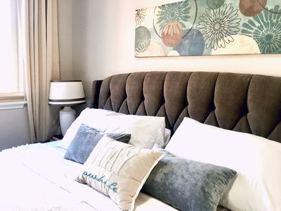 TOP Rated UPSCALE Private Apt -Great Neighborhood 10 min Airport -WiFi-Cable-W/D