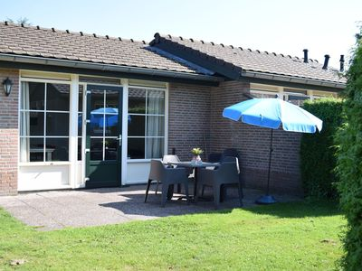 Photo for A weekend getaway in a holiday home for 6 people? At recreation park De Boshoek in the Veluwe, you can easily book a bungalow for 6 people.