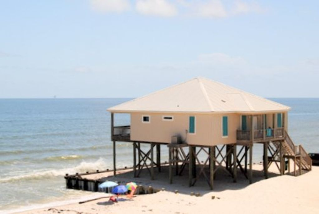 4 Bedroom Gulf Front Beach House Newly Remodeled