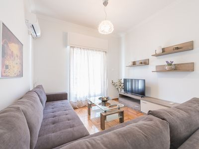 Photo for Bright 2 bdrm apt in the heart of Athens