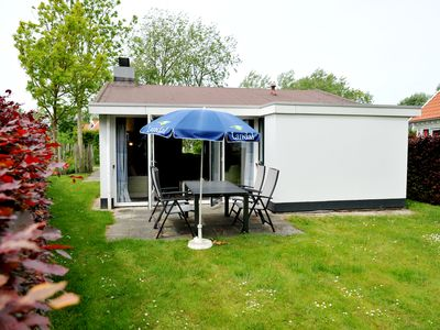 Photo for Bungalow in the holiday park Landal Resort Haamstede - Approx. 3 kilometres from the beach