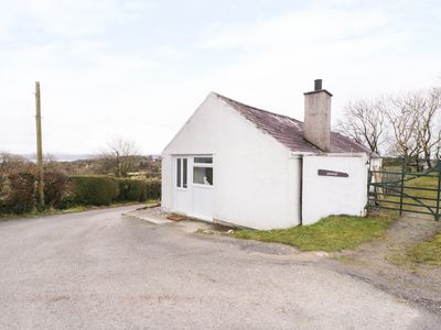 Photo for Gwnus Bungalow, BRYNTEG