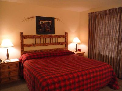 Photo for Deluxe hotel-style room with a king bed
