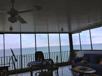 Fantastic Ocean Front View from the 6th Floor!