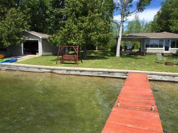 Clean, Updated Cottage With 100 Feet On Grand Lake