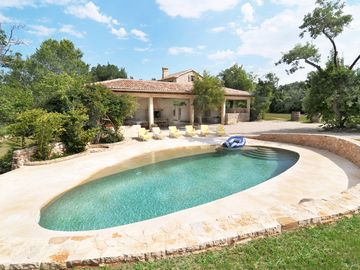 Secluded wonderful Villa, 50m2 pool, perfect for families and large groups