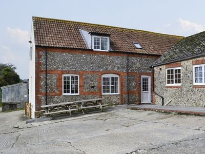 Photo for 3 bedroom accommodation in Wootton Fitzpaine, near Charmouth