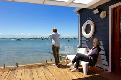 Relax with fabulous view direct to Sydney skyline