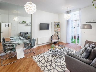 Photo for Charming 1 bed North London apartment w/terrace