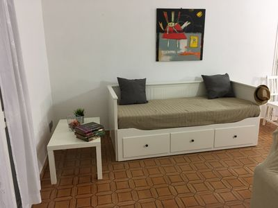 Double bending bed in the hall for guesting friends or for the stay of a couple