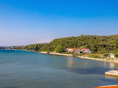 Photo for Apartment Mare 10 in Rab/Kampor - 4 persons, 1 bedrooms