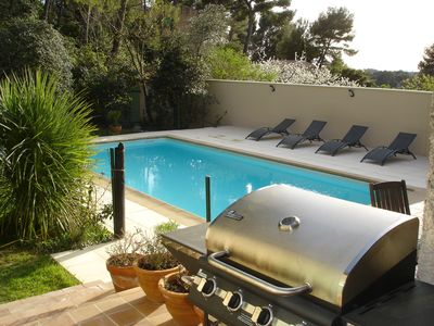 Photo for Villa with garden and pool, near Marseille and Cassis