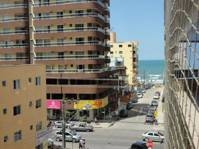 Photo for Apartment 3 bedrooms opposite the avenue and less than 100 m from the beach