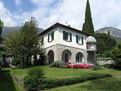Photo for Situated in a beautiful and relaxing place on the lake of Como, this holiday flat is perfect for a family of 4.